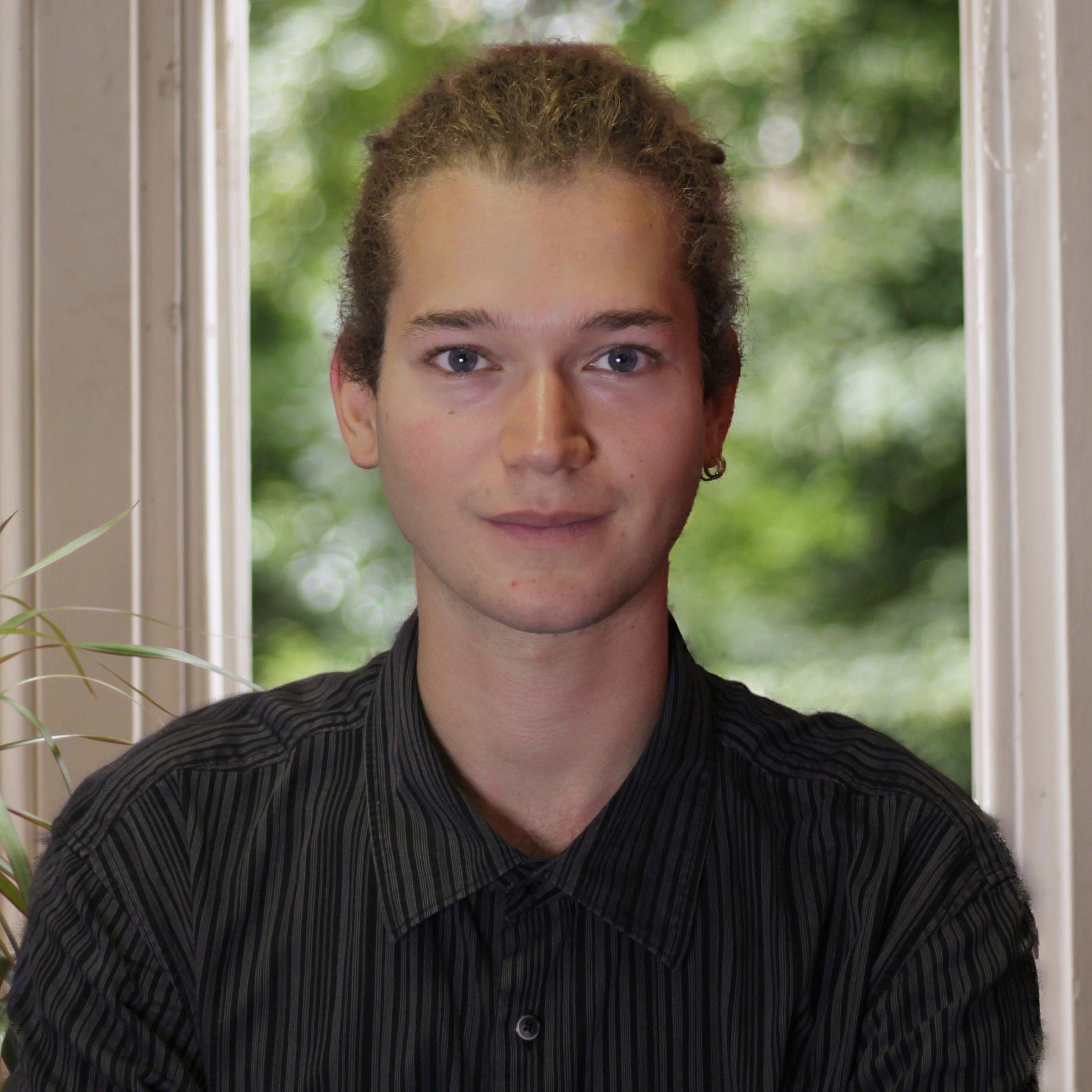 Daniel Photo